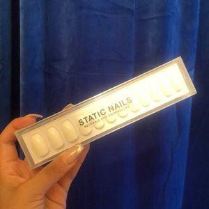 Static Nails Kit